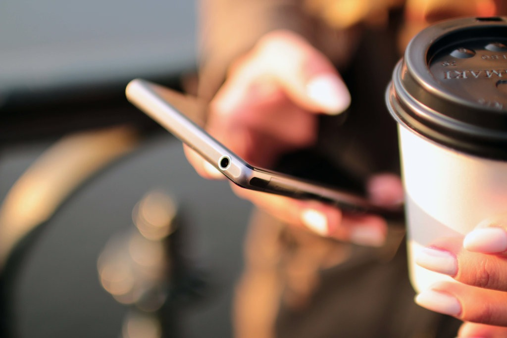 Lo-que-importa-es-lo-de-adentro-móviles-de-gama-baja-con-características-de-gama-media