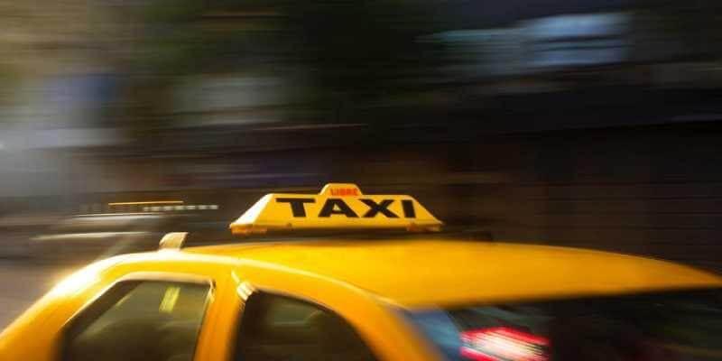 alerta de desvío de taxi en Maps